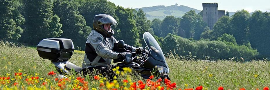 Motorradfahrer Wilkommen in der Vulkaneifel